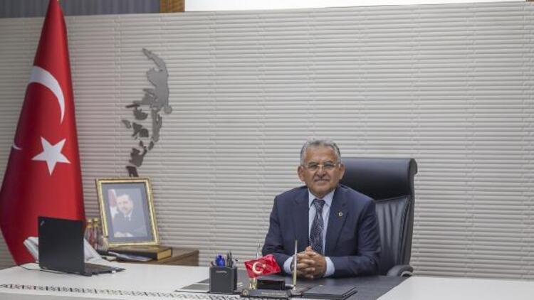 Kayseri Büyükşehir Belediye Başkanı Memduh Büyükkılıç koronavirüse yakalandı
