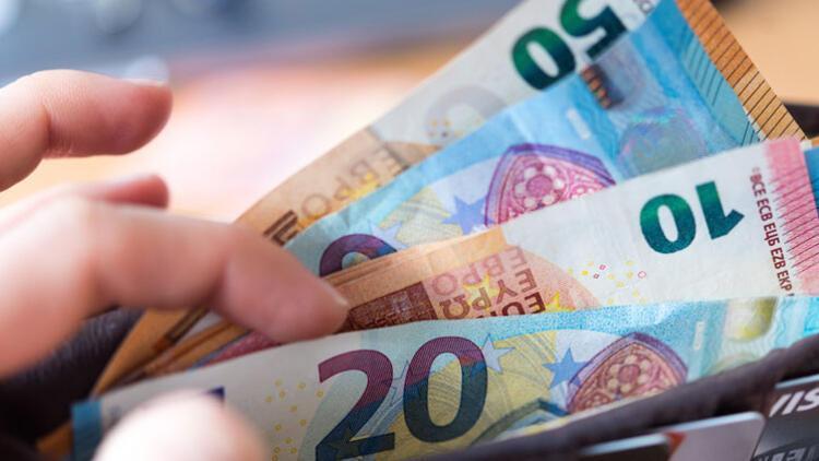 105 euroluk trafik cezasını 378 euro ödedi