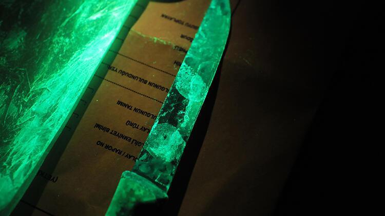 Parmak izi 'karanlık oda'da incelenip, suç dosyaları aydınlatılıyor