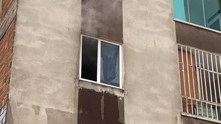 Madde bağımlısı genç, odasını ateşe verdi
