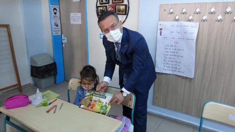 Aydın'da miniklere boyama kitabı ile deprem bilinci aşılandı
