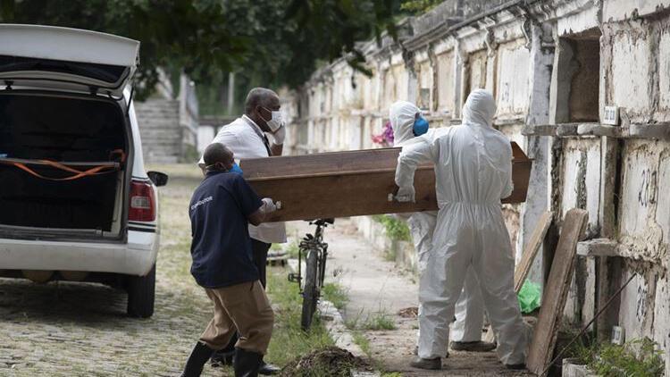 Brezilya'da bir günde koronavirüsten dolayı 3 bin 693 kişi hayatını kaybetti