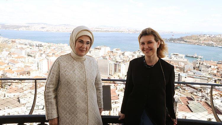Emine Erdoğan, Ukrayna Devlet Başkanı Zelenskiy'nin eşi Olena Zelenska ile Galata Kulesi'ni ziyaret etti
