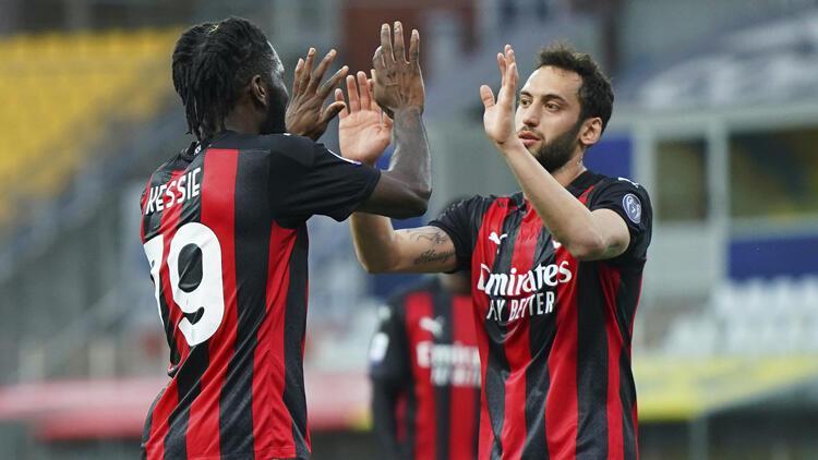 Milan, deplasmanda Parma'yı 3-1 yendi