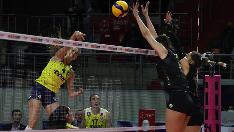 Fenerbahçe Opet: 2 - VakıfBank: 3