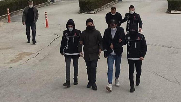 Eskişehir'de sokakta uyuşturucu satışına 3 tutuklama