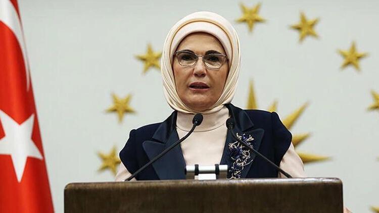 Emine Erdoğan Van Gölü için oy kullandı, destek için paylaşım yaptı