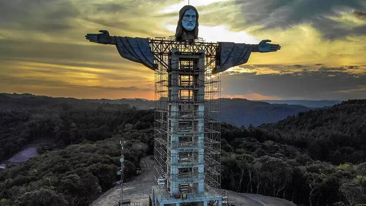 Brezilya'ya ikonik Kurtarıcı İsa heykelinden daha uzun bir İsa heykeli inşa ediliyor