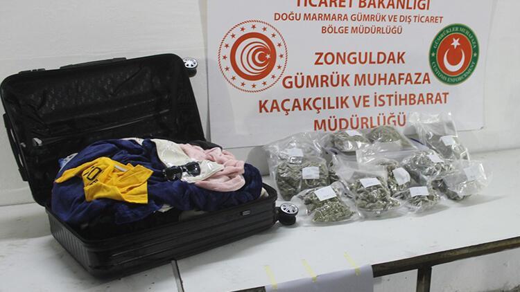 İspanya'dan gönderilen valizden 2 kilo esrar çıktı