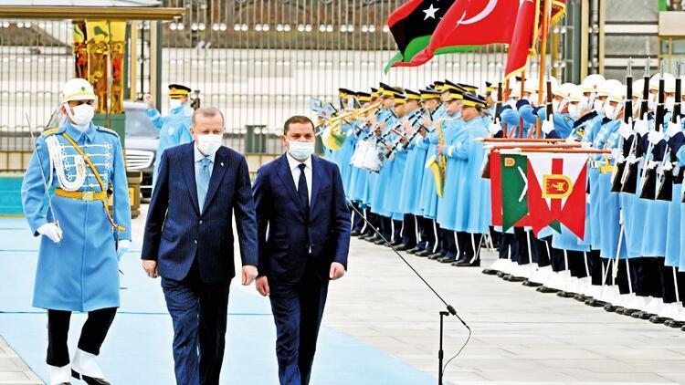 Libya'dan 14 bakanla geldi