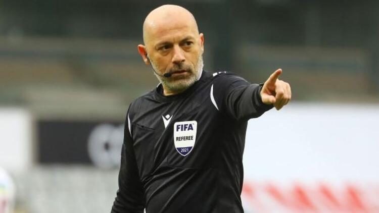 Slavia Prag-Arsenal rövanşı Cüneyt Çakır'ın