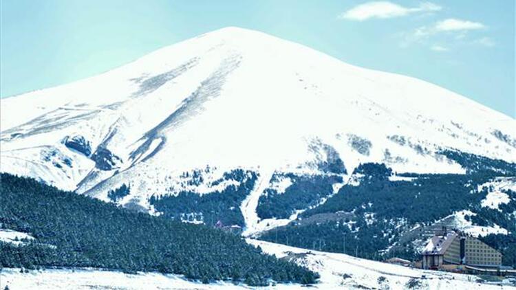 Erzurum ilkbaharda yeniden beyaza büründü