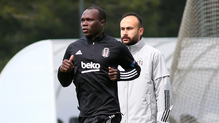 Beşiktaş'ta takımdan ayrı çalışmaya devam eden Aboubakar ilk 11'de zor
