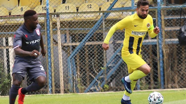 TFF 1. Lig: Menemenspor 2-2 Samsunspor