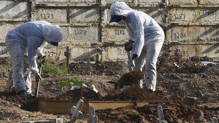 Brezilya'da 24 saatte Kovid-19'dan 3 bin 459 kişi hayatını kaybetti