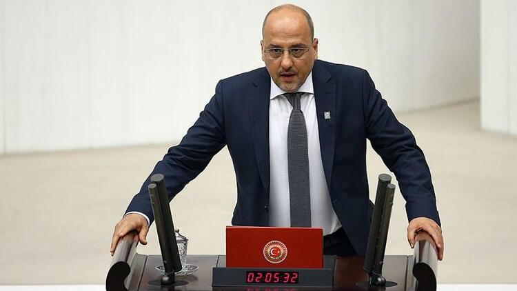 Bağımsız İstanbul Milletvekili Ahmet Şık'a fezleke