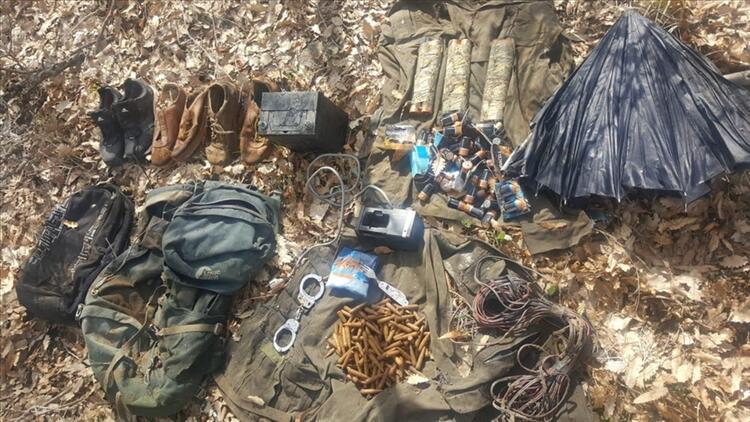Tunceli'de teröristlerin sığınağı kullanılamaz hale getirildi