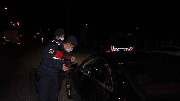 Manisa'da seyahat kısıtlaması denetimi! Araçlara izin belgesi kontrolü yapıldı