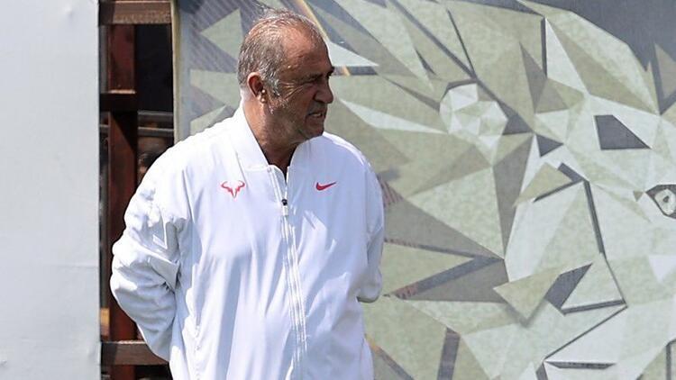 Galatasaray'da Fatih Terim kulübeye geri dönüyor