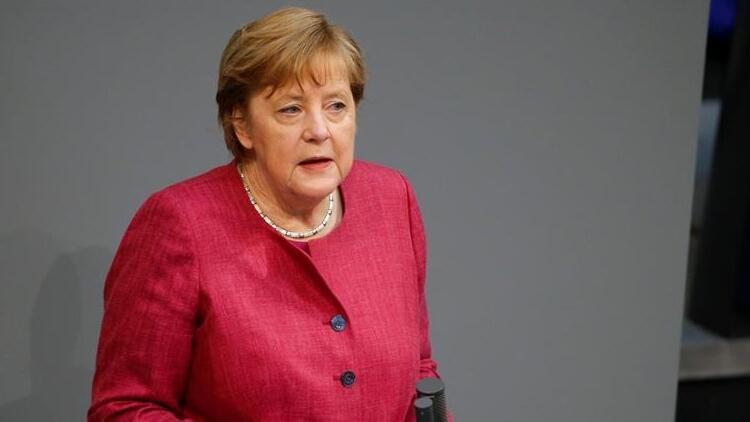 Merkel'den doktorların 'yardım' çağrılarına kulak verin uyarısı