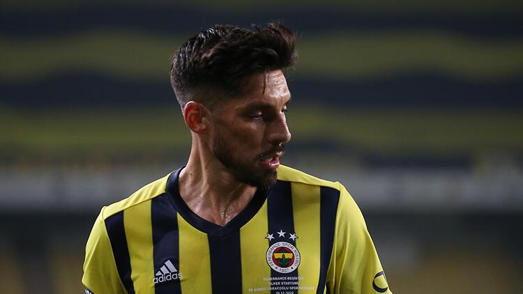 Son Dakika: Fenerbahçe'de Jose Sosa'dan Emre Belözoğlu itirafı!