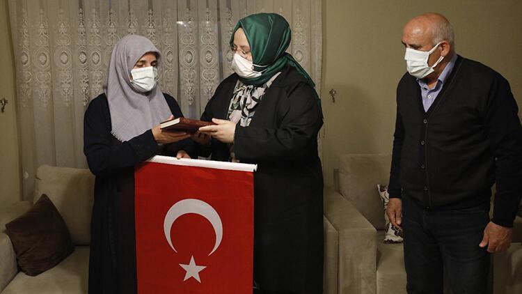 Bakan Selçuk'tan şehit ailesine ve Kıbrıs gazisine ziyaret