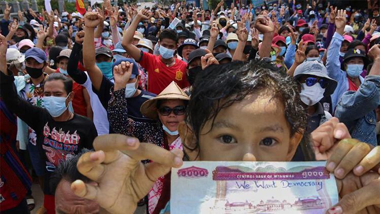 Myanmar'da darbe karşıtları hükümet kurdu, bazı ülkelerin hükümeti tanıyacağı öne sürüldü