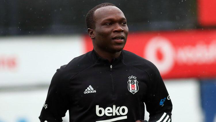 Son dakika: Beşiktaş'ta Aboubakar takımla çalışmalara başladı!