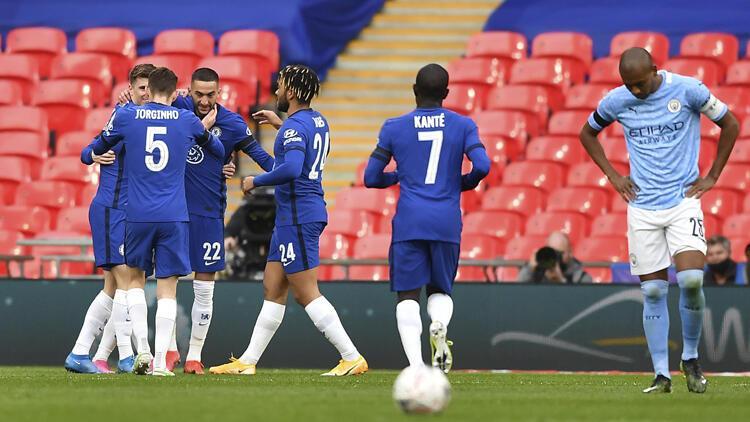 İngiltere Federasyon Kupası'nda Manchester City'yi deviren Chelsea ilk finalist oldu