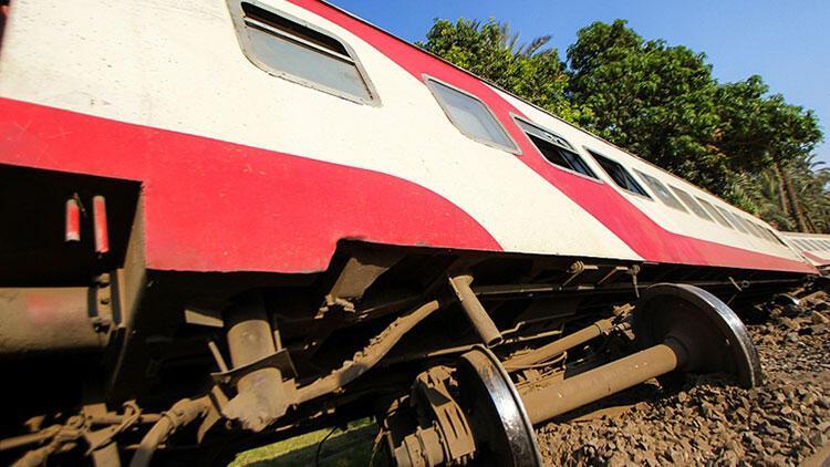 Son dakika... Mısır'da tren kazası: 8 ölü, 100'den fazla yaralı
