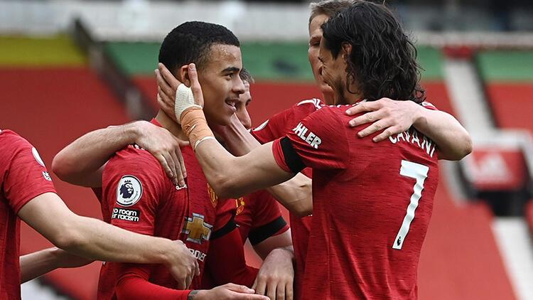 Manchester United 3 - 1 Burnley (Maç özeti)
