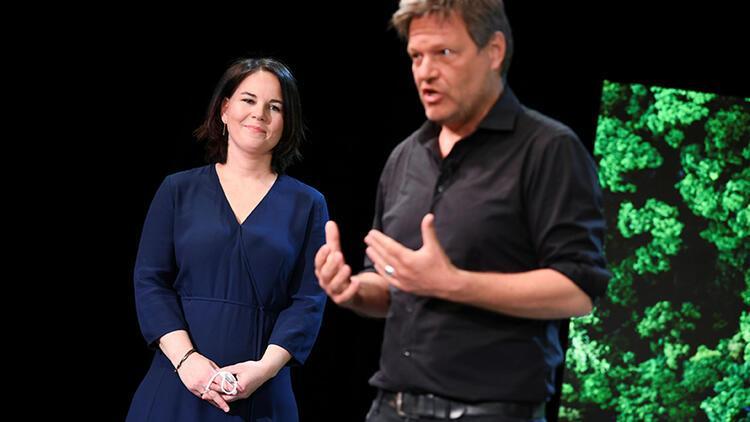 Yeşiller'in başbakan adayı Annalena Baerbock!