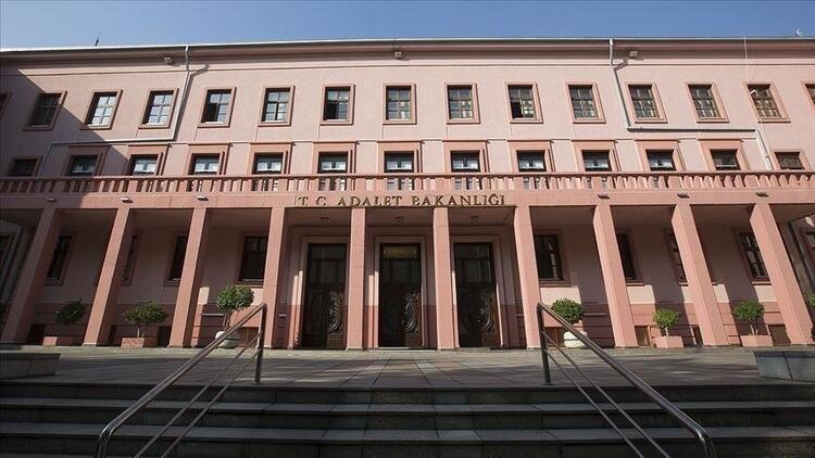 Adalet Bakanlığı 23 mütercim alacak! İşte başvuru şartları