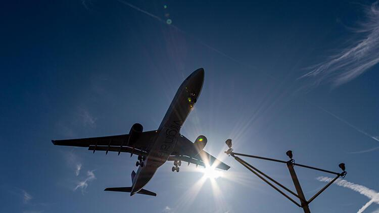 Gökten bir insan düştü | Kenyalı kaçak yolcu ve tuhaf hikayesi