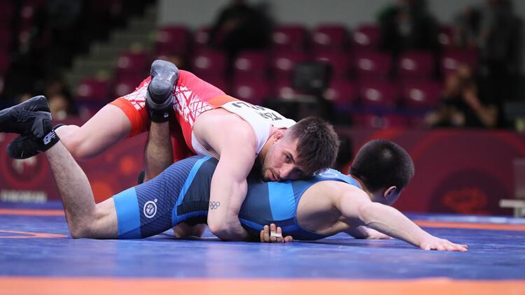 Avrupa Güreş Şampiyonası'nda milli sporcular Süleyman Atlı ile Süleyman Karadeniz finale yükseldi