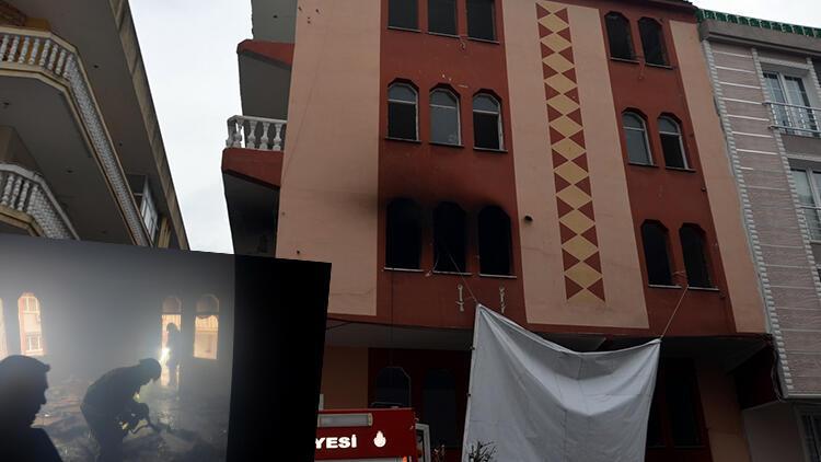 Avcılar'da boş binada ısınmak için ateş yakan evsizler, parkeleri tutuşturdu