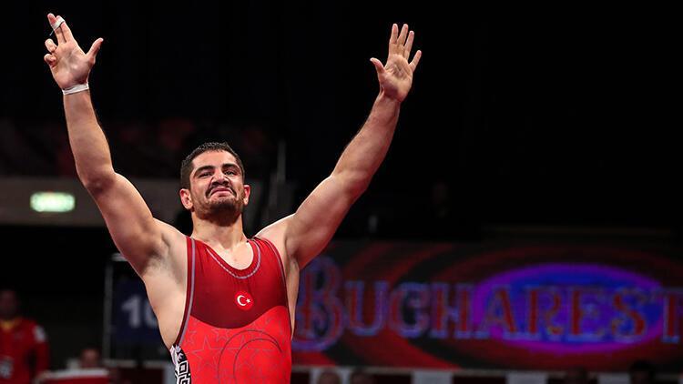 Taha Akgül, Avrupa Güreş Şampiyonası'nda finale yükseldi