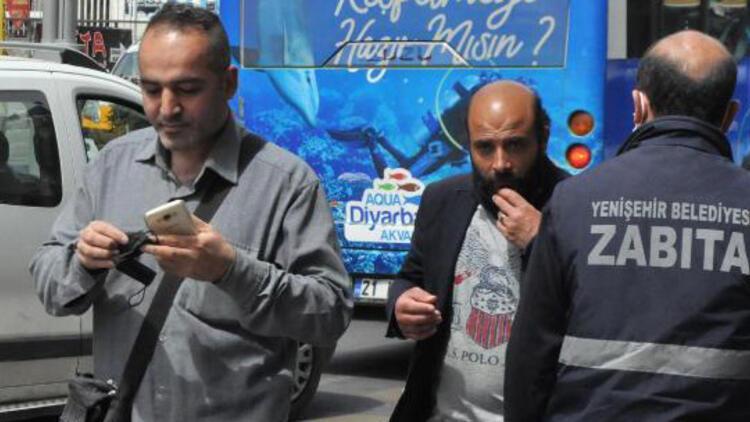 'Sarı'dan 'kırmızı'ya dönen Diyarbakır'da zabıtayı gören maskesini taktı
