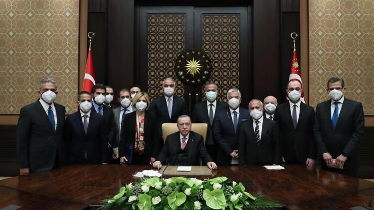 Cumhurbaşkanı Erdoğan turizmcilerle bir araya geldi