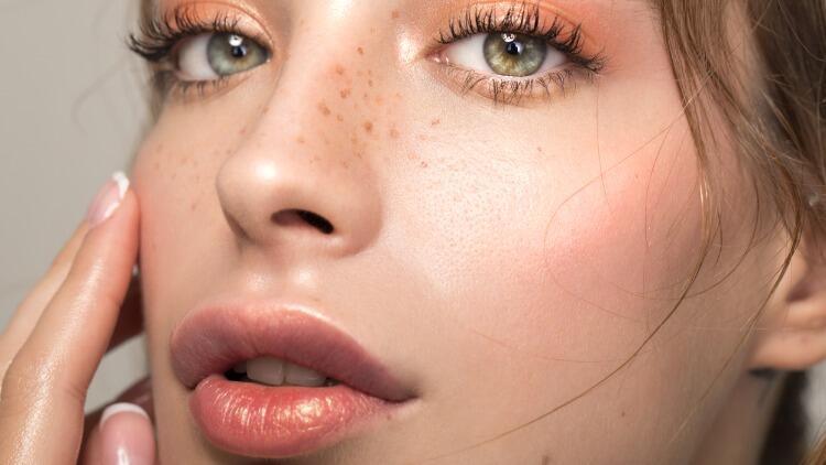 Yüzünüzü Göre Dudaklarınız Nasıl Olmalı?