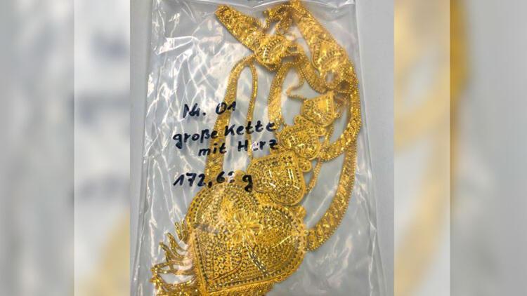 Çoraptan 40 bin euroluk altın çıktı
