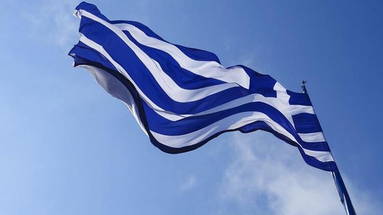 Yunanistan'da koronavirüs önlemleri gevşetiliyor