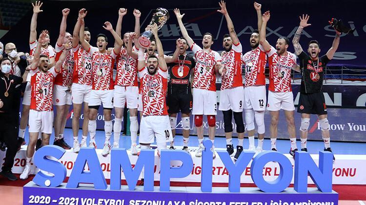 AXA Sigorta Efeler Ligi'nde Fenerbahçe HDI Sigorta'yı yenen Ziraat Bankkart şampiyon oldu