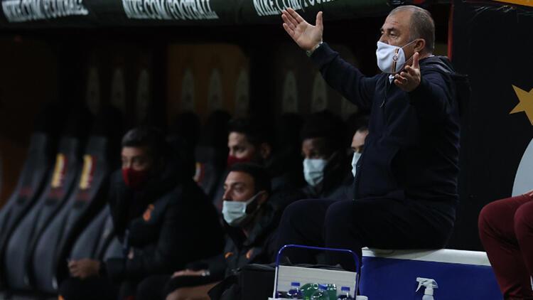 Fatih Terim'in Galatasaray-Trabzonspor maçındaki görüntüsü dikkat çekti! Marcelo Bielsa benzetmesi yapıldı