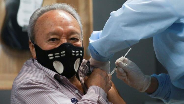 Kolombiya'ya 549 bin 900 doz Kovid-19 aşısı getirildi