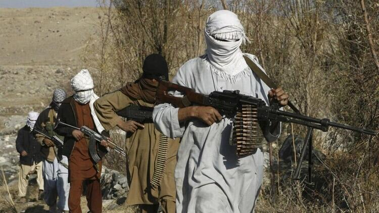 Afganistan'da Taliban 4 sivili öldürdü