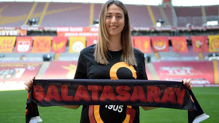 Galatasaray HDI Sigorta Kadın Voleybol Takımı, Zeynep Sude Demirel ile anlaştı