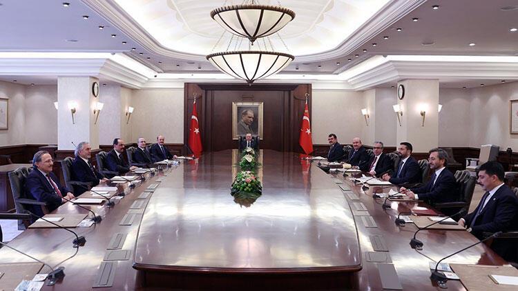 Cumhurbaşkanı Erdoğan, Cumhurbaşkanlığı Politika Kurulu başkanvekilleriyle görüştü