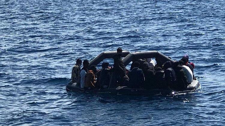 Son dakika haberi: Akdeniz'de tekne kazası! 100'ün üzerinde göçmen hayatını kaybetti