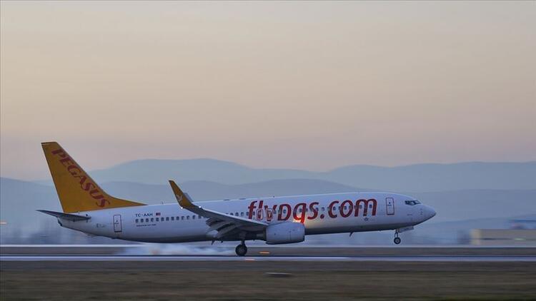 Pegasus duyurdu: Londra'nın Stansted Havalimanı'na seferlere başlayacak